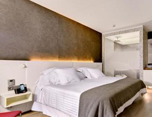 Cabecero de cama a medida con tira de leds reformas y for Lamparas cabezal cama