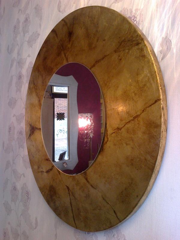 Espejo redondo pan de oro veteado a medida reformas y for Espejo redondo pequeno