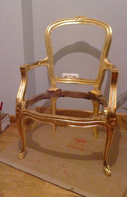 silla dorada en proceso de envejecido u2013 Reformas y Decoraciu00f3n de ...