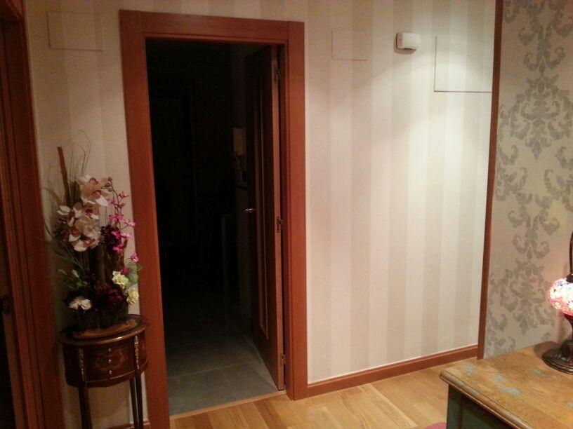 Imagen del pasillo a rayas reformas y decoraci n de - Pasillos pintados a rayas ...
