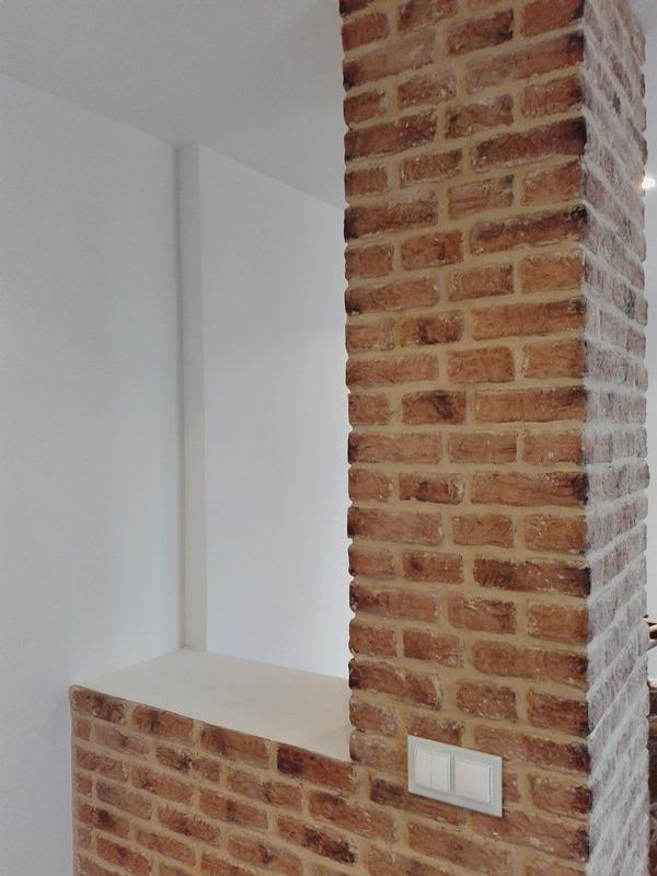 Decorar pilar separador sal n revestimiento imitaci n for Imitacion ladrillo para interiores