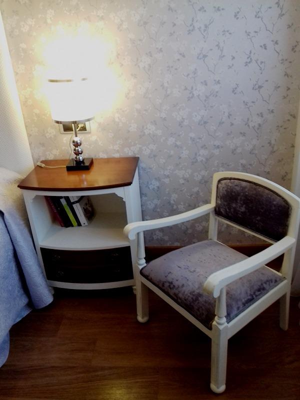 Asombroso Muebles De Dormitorio Sillas Tapizadas Ilustración ...
