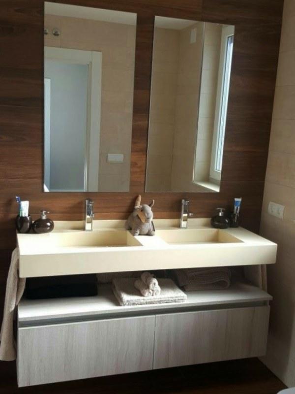 Proyecto chalet ba o pared madera encimera dos senos mueble suspendido reformas y decoraci n - Encimera bano madera ...